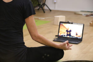 yoga via zoom avec Ritama